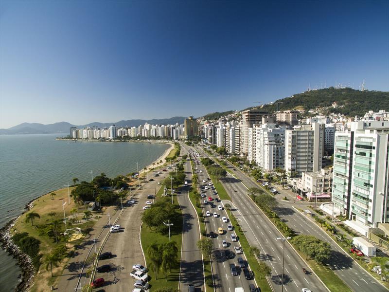 Fórum de Cidades Digitais em Florianópolis tem 30...