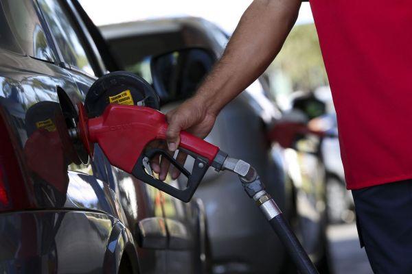App mostra preços de postos de combustíveis em Goiás