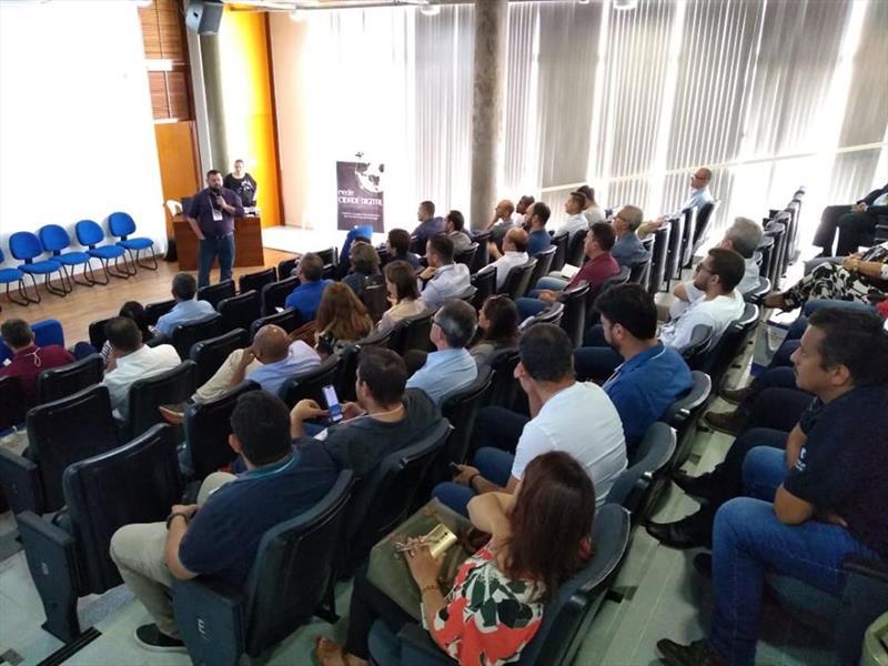 Fórum de Cidades Digitais em Apucarana reúne 20 municípios