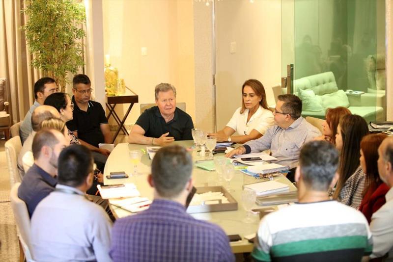 Com monitoramento em tempo real das obras, prefeito de Manaus cobra prazos