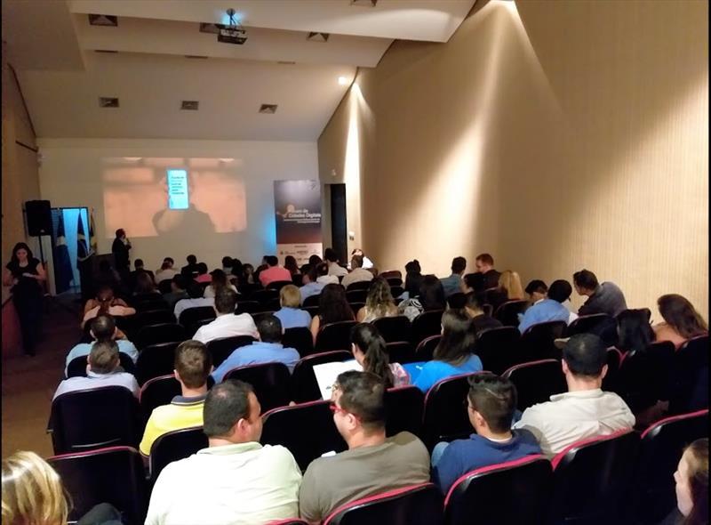 Campo Grande sedia Fórum de Cidades Digitais em março