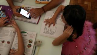 Projeto prevê gratuidade de internet para ensino a distância de escolas públicas