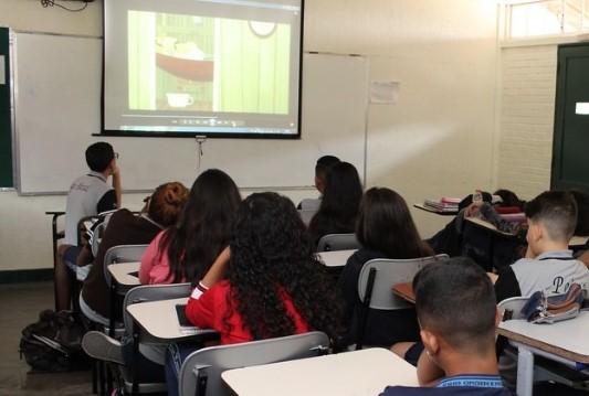 Vereador propõe Internet gratuita para alunos e professores de Fortaleza