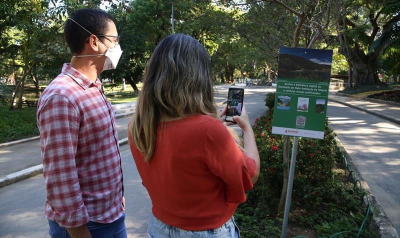 Ecossistema de Niterói na palma da mão de turistas e moradores